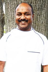 Chef Koch Sridharan Bhashyam - Roger vom Restaurant Heuberg Wien 17 - IndianFoodLand Vienna
